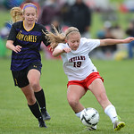 Justin Sheely | The Sheridan Press Campbell County's Delaney Hallcroft, left, and Cheyenne Central's Sarah Krysl fight for possession during the girls class 4a State Championship semifin ...