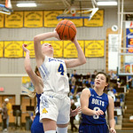 Joel Moline | The Sheridan Press Sheridan's Annie Mitzel (21) attempts a layup against Thunder Basin High School Friday, Jan. 24, 2020.