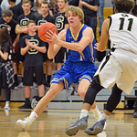 Sheridan's Drew Boedecker throws a cross-court pass on Friday, Jan. 21 at Cheyenne South High School. Mike Pruden | The Sheridan Press