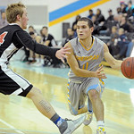 Sheridan College point guard Celio Araujo, right, throws a pass into the post on Friday, Dec. 2 at the Bruce Hoffman Golden Dome. Mike Pruden | The Sheridan Press
